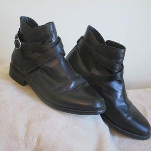 Ariat Windsor Black Flat Heeled Boot